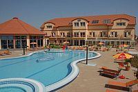 Aqua Spa Wellness Hotel Cserkeszolo - neues 4-Sterne Wellness Hotel in Cserkeszolo