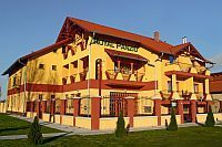 Accomodation Cserkeszolo - Hotel Royal Pension Cserkeszolo at discount prices in the vicinity of the bath